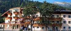 4 * Hotel Ferienwelt KRISTALL, Rauris